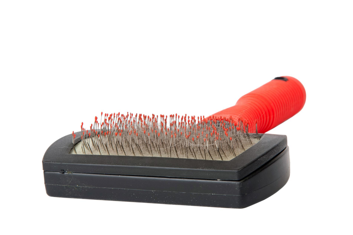 what is a slicker brush for cats